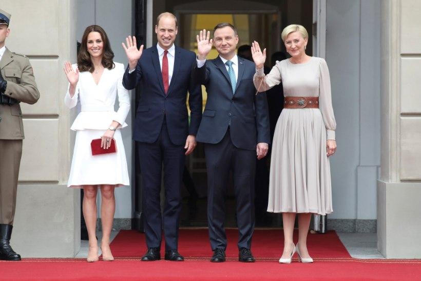 FOTOD   Hertsoginna Catherine ja prints William saabusid koos lastega Poola