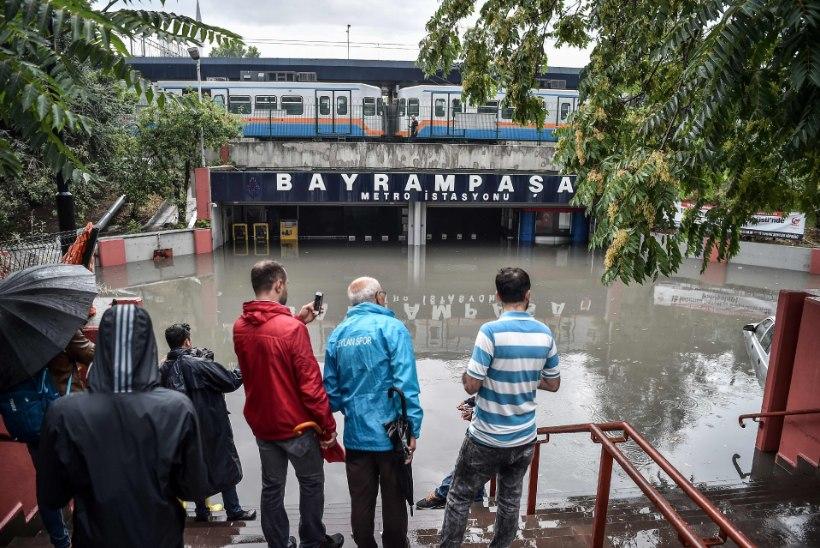 GALERII | Üleujutus halvas İstanbulis miljonite inimeste argielu
