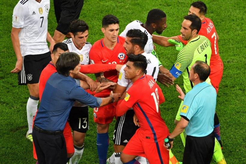 GALERII | Saksamaa alistas kähmlustega vürtsitatud finaalis Tšiili