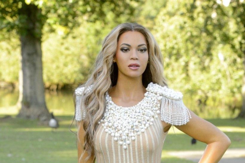 Fännid: Beyoncé vahakuju on liiga heleda nahatooniga