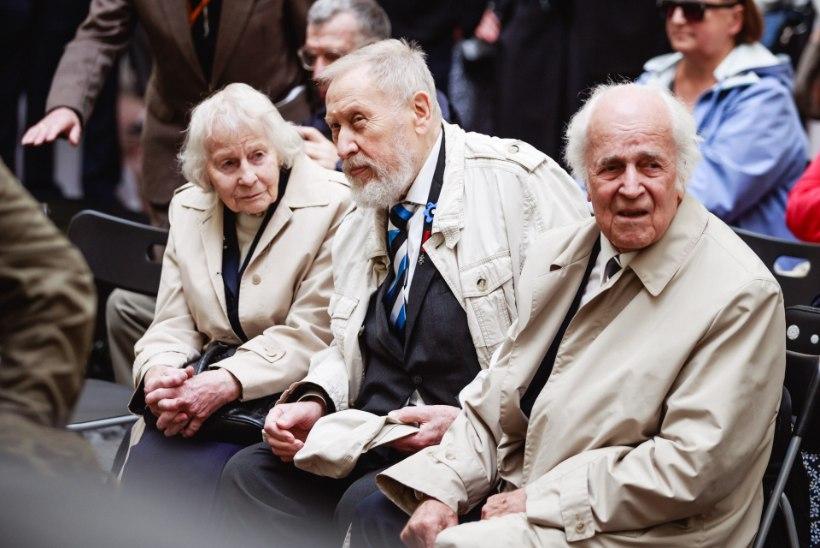 GALERII   Kunagiste KGB vangikongide avamisel meenutati 1940. aastatel toimunud õudusi