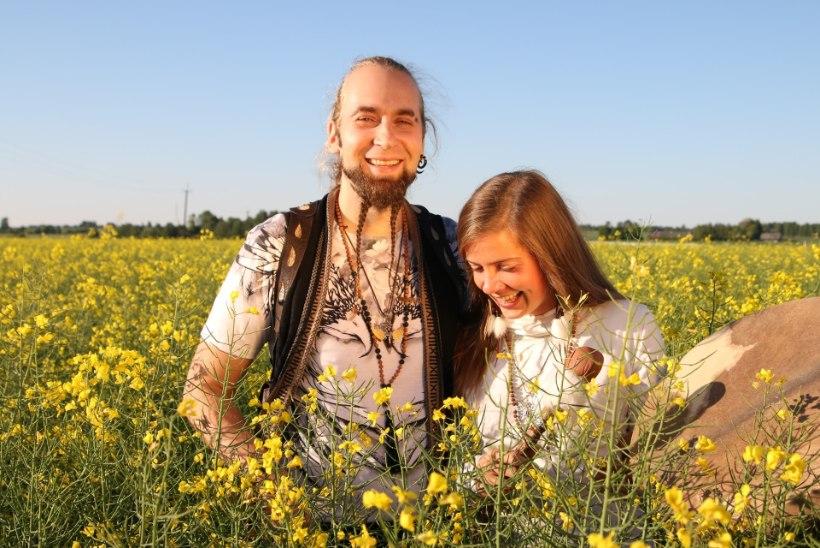 VIDEO | Värvikad hipid Tom ja Jane: inimene saab vanaks siis, kui ta lõpetab mängimise, laulmise ja tantsimise!