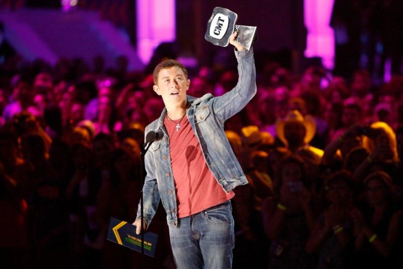 """""""American Idoli"""" võitja üritas laetud tulirelvaga lennukisse minna"""