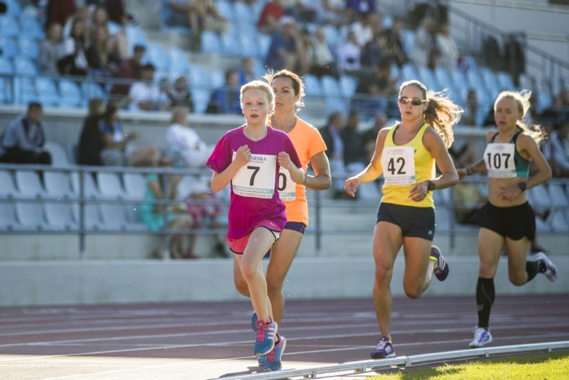 """""""See pole ultramaraton"""" vs. """"võime kaotada andeka noore"""" ehk Kas 12aastane kergejõustikulaps peaks täiskasvanutega koos viit kilomeetrit silkama?"""