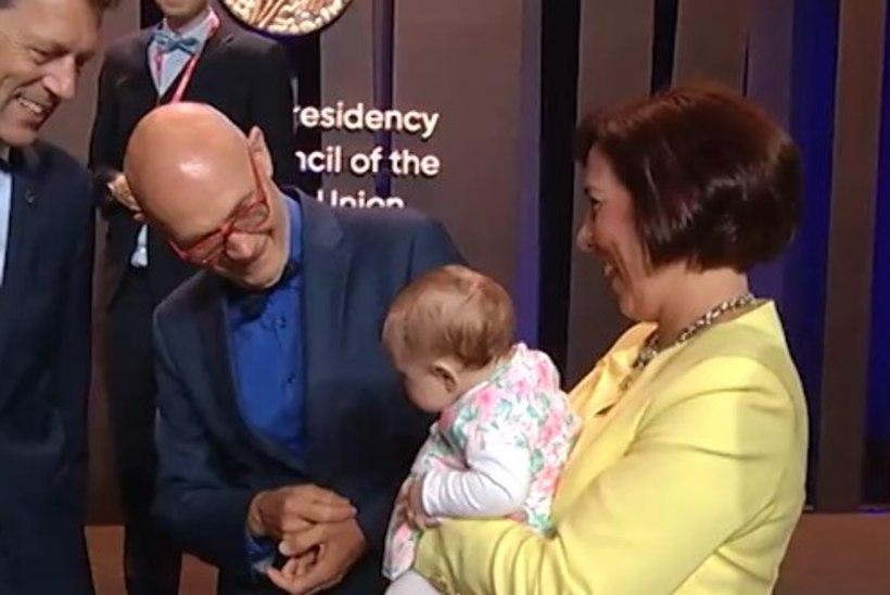 NUNNU TV3 PLAY VIDEO! Mailis Reps lõi pisitütrega kogu eesistumise saali särama!