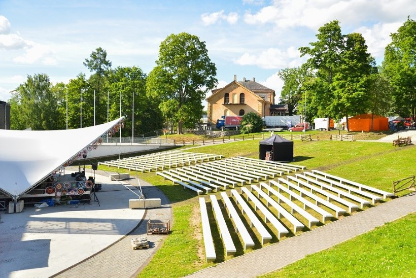 GALERII | Vaata, kuidas Viljandi folgiks valmistub!