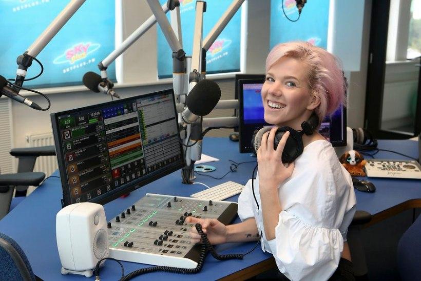 Raadio Sky Plus saatejuht Aili Stůre: «Praegu tuleb anda endast parim.»