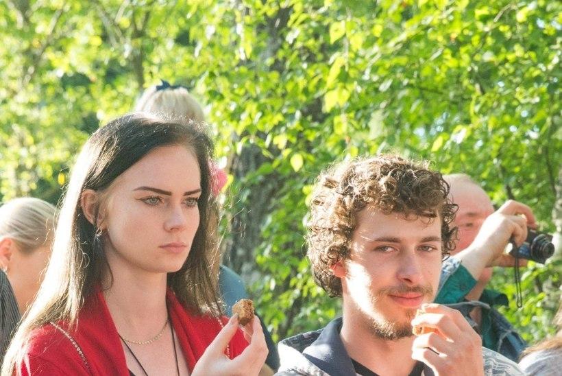 FOTOD | TÜLIÕUN SÖÖDUD? Kalvi-Kalle ja Helen käisid koos iidsel riitusel