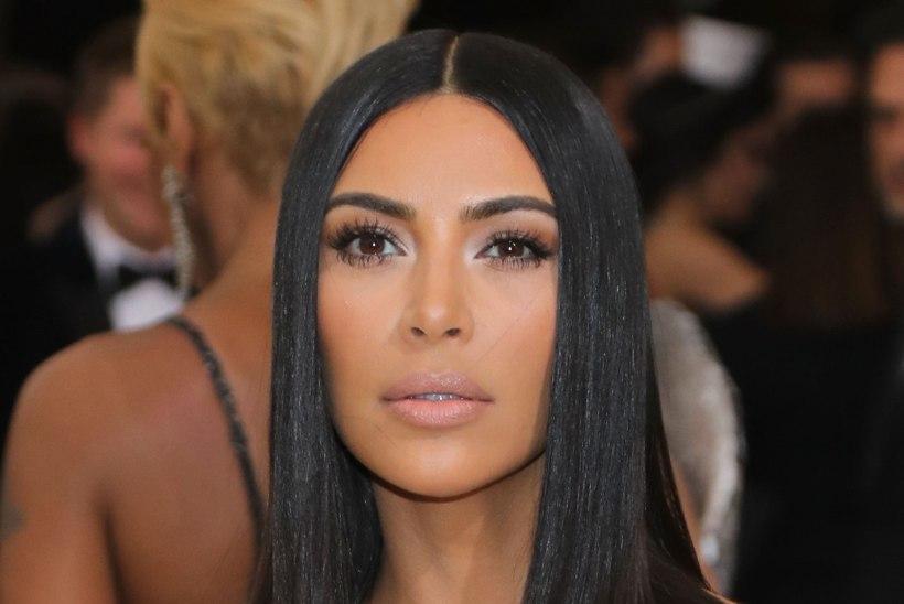 Ajakiri: Kim Kardashiani palgatud sünnitaja on kolmandat kuud rase