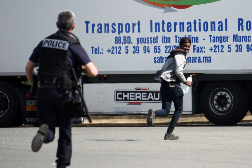 Illegaalijõuk hõivas vägivaldselt kaugsõidu-veoauto