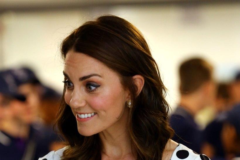 FOTOD | Kate Middleton näitas senisest lühemat juukselõikust