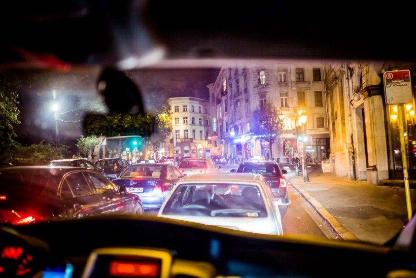 GALERII | Salapärane tänavakunstnik Edward von Lõngus alustas Brüsselis tuuri