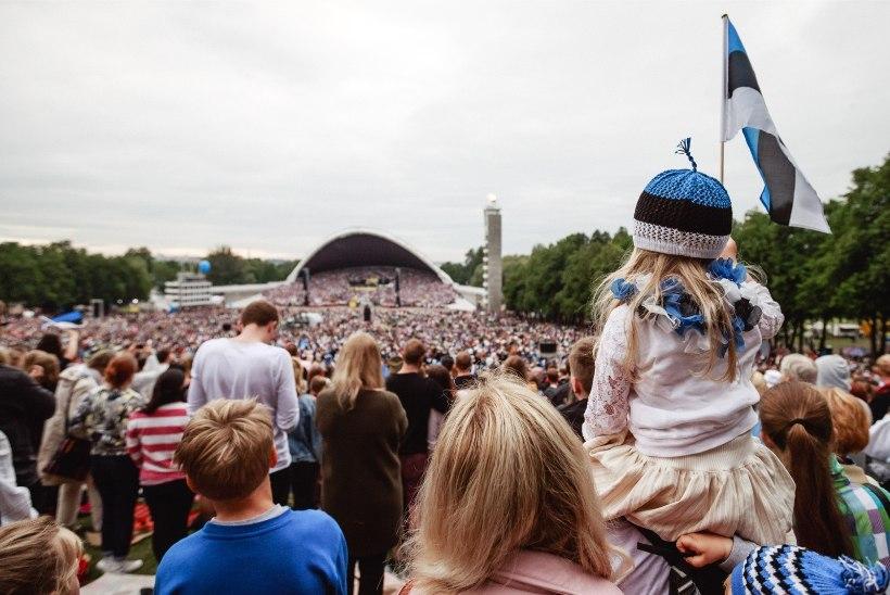 Laulu- ja tantsupidu kulges tuhandetest osavõtjatest hoolimata rahulikult