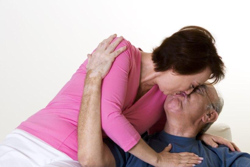 Aktiivne seksuaalelu hoiab eakama inimese vaimu virgena