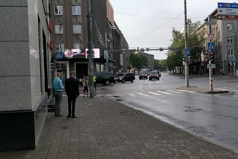 VIDEO | USA asepresidenti saatis Tallinnas võimas autorivi