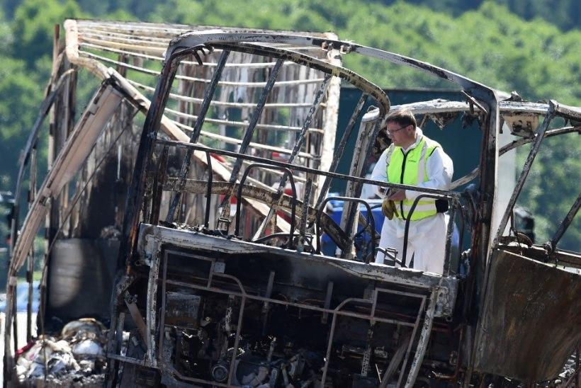 Bussiõnnetuses põles 18 inimest surnuks