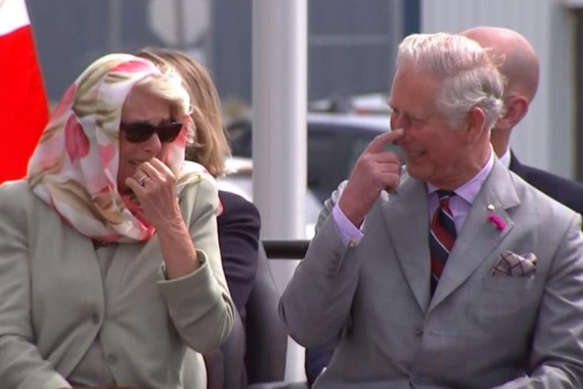 PIINLIK NAER: prints Charles ja Camilla itsitasid põlisrahva tantsu üle