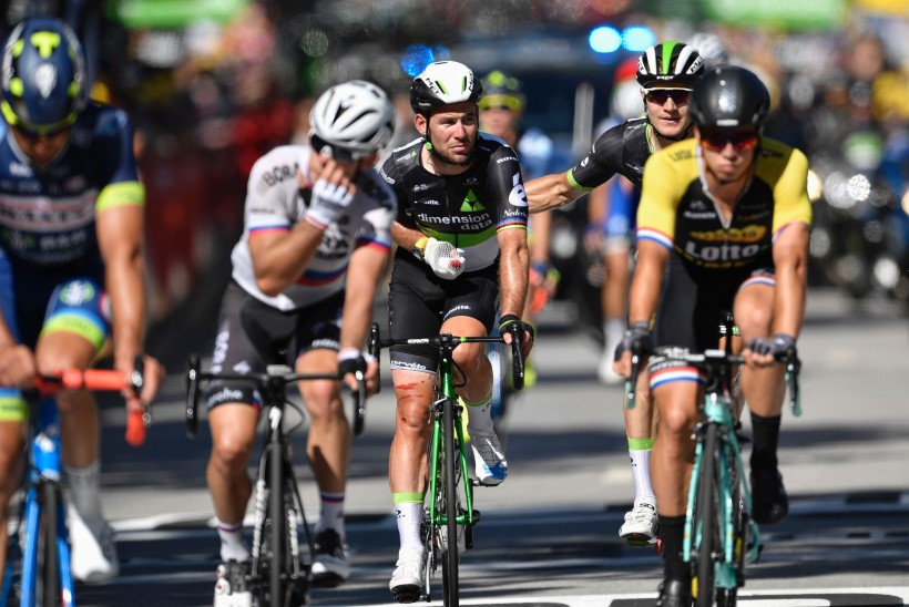 VIDEO   Peter Sagan lükkas Tour de France'il kange konkurendi julmalt pikali!