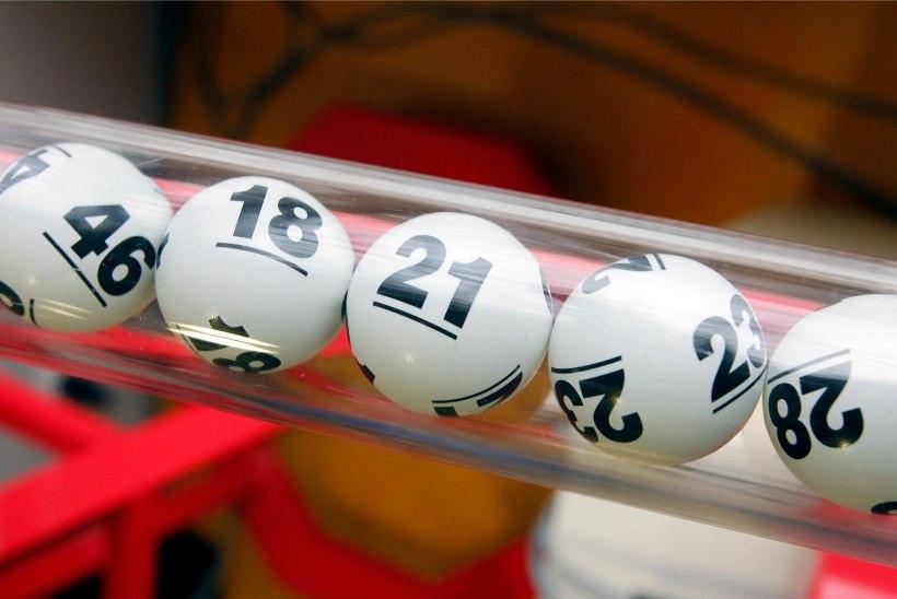 Unes või ilmsi?! Mees äratati teatega, et võitis lotoga ligi 200 000 eurot