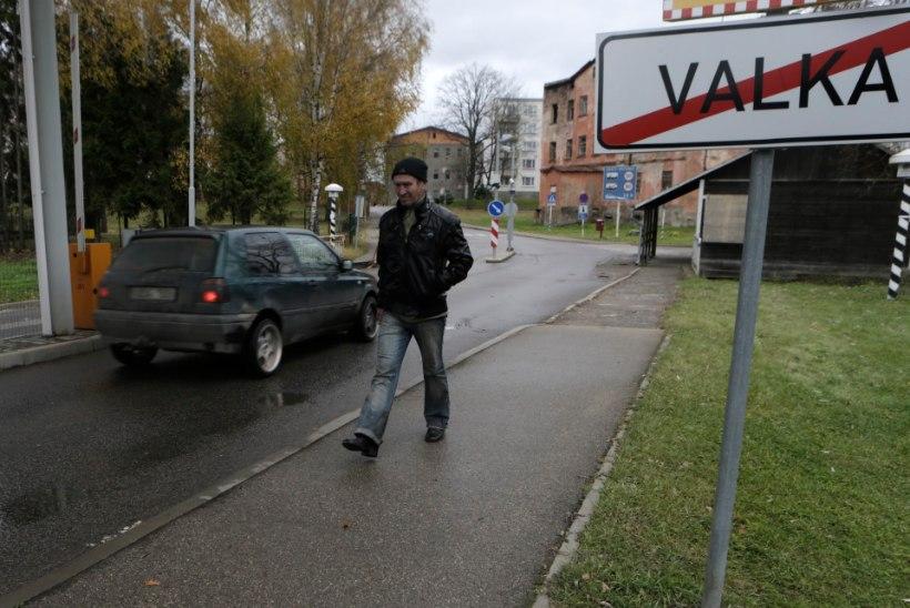 Eesti värbab üha enam Läti tööjõudu ja tekitab piiriäärset kriisi