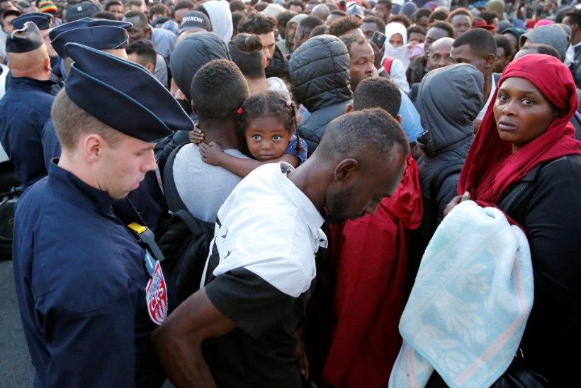 Politsei kõrvaldas Põhja-Pariisi tänavailt üle paari tuhande migrandi