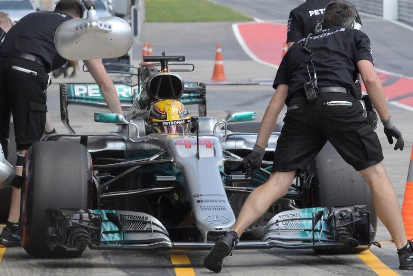 Vabatreeningute kiireim Lewis Hamilton sai Austria GP eel karistuse