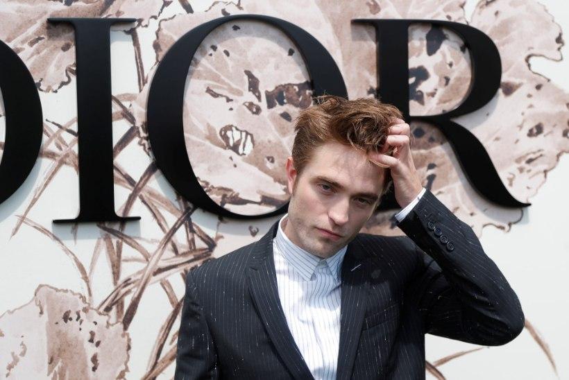 """Robert Pattinson tunnistas, et pidi """"Videviku"""" järel kuulsuse pärast teraapias käima"""