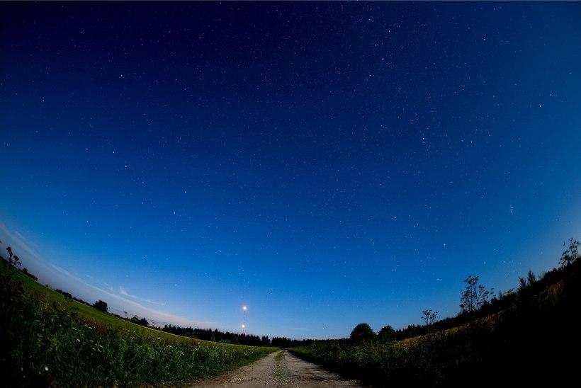 FOTOD | KAUNIS TÄHESADU: augusti öö pakub taevas imelist vaatemängu