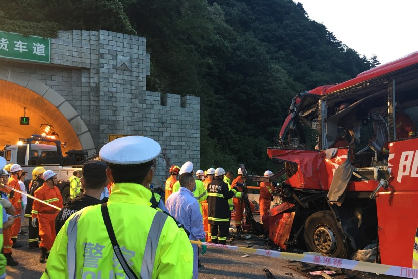 FOTOD | Raskes bussiõnnetuses sai surma 36 ja viga 13 inimest