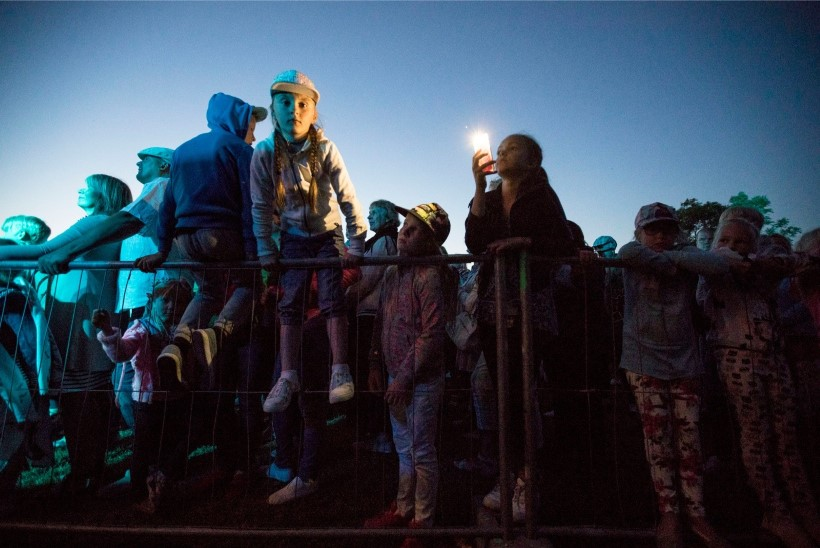 VIDEO JA PILDID   Kuressaare merepäevi väisab staaride paraad: Vahur Kersna, Mallukas, Igor Mang, Silver Sepp, Anne Veski, Terminaator, Kerli Kõiv jpt.