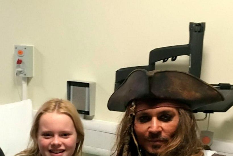 VIDEO   Johnny Depp käis lastehaiglas kapten Jackina rõõmu külvamas