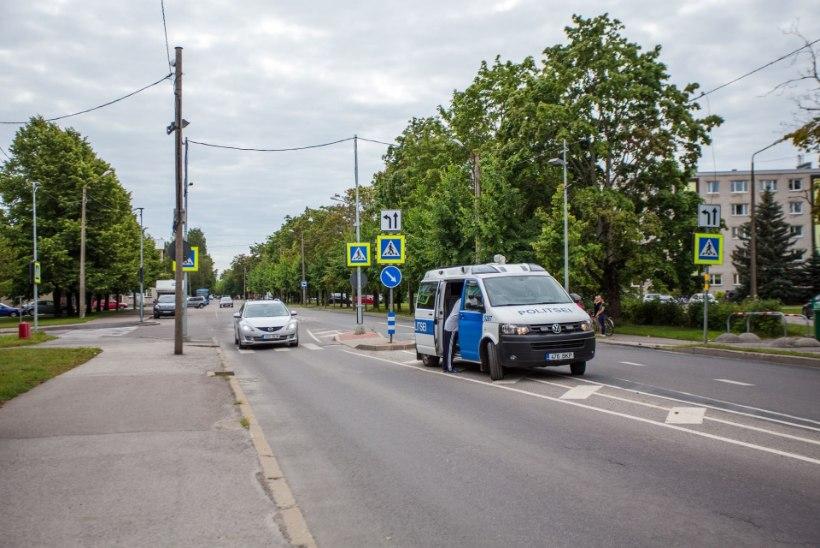 RASKE LIIKLUSÕNNETUS! Pärnus sai laps autolt löögi