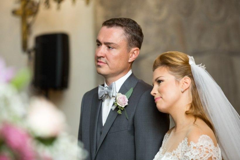 AMETLIK PULMAGALERII | Taavi Rõivas ja Luisa Värk vandusid teineteisele igavest truudust