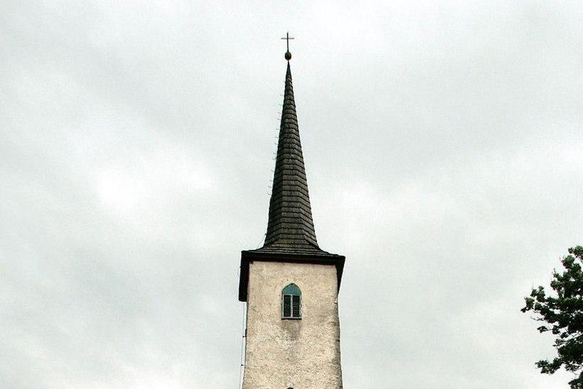 Tormist räsitud kirik palub toetust