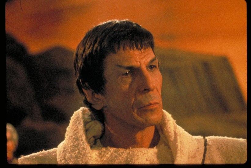 """""""Star Treki"""" näitlejanna kihlus Spocki osatäitja pojaga"""