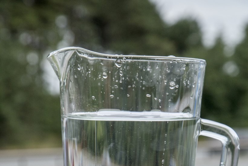 Ilmatu suur veetoru Järvevana tee veeres