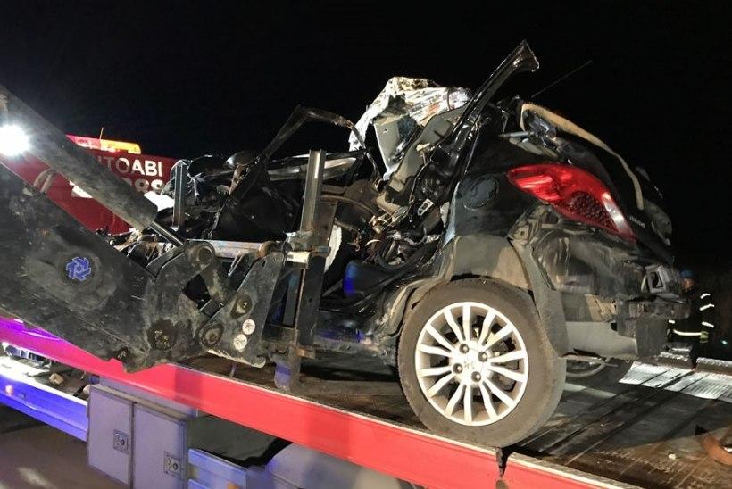 Pärnumaal avariis hukkunud olid soomlannad, mujal liikluses sai viga veel seitse inimest