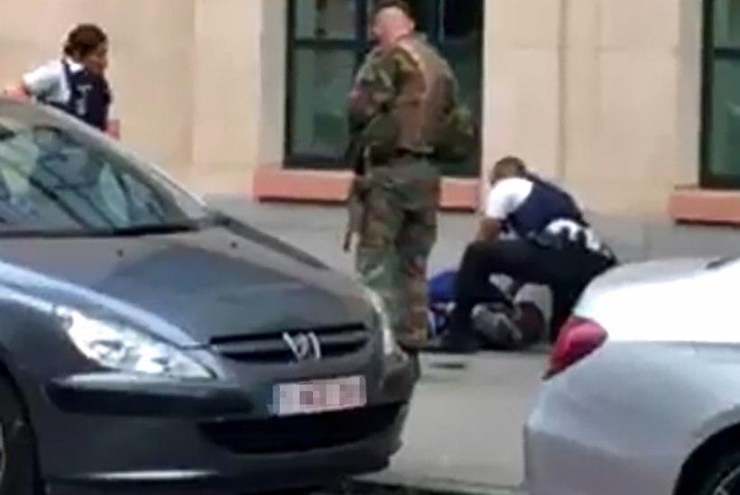 Brüsselis tulistasid sõdurid meest, kes ründas neid matšeetega