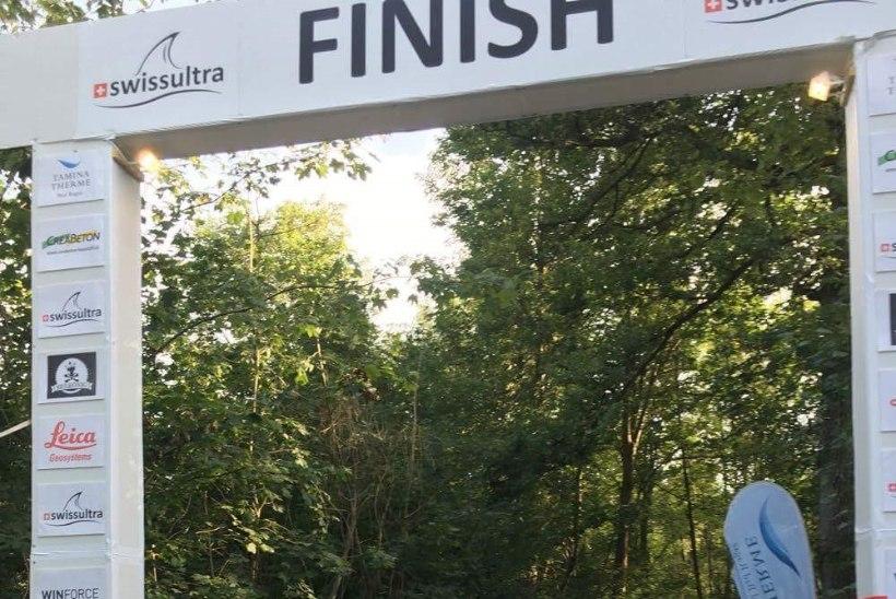 VIDEO | Inimvõimetel ei ole piire! Ratasepp jõudis kümnekordse triatloni finišisse, aeg alla 235 tunni