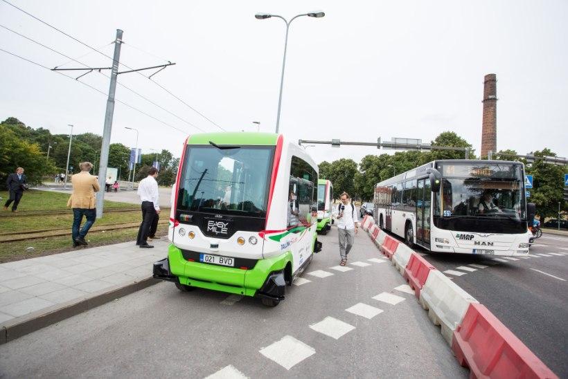 GALERII   Tallinnas lõpetasid sõidud isesõitvad bussid