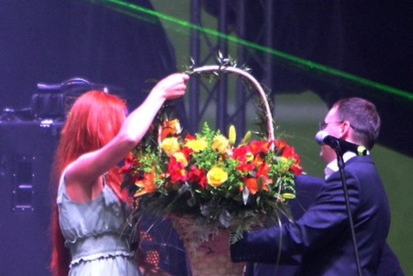 PILDID JA VIDEO | Lasnamäe päeva peaesinejateks olid populaarne Venemaa bänd CHI-LLI ja Anne Veski