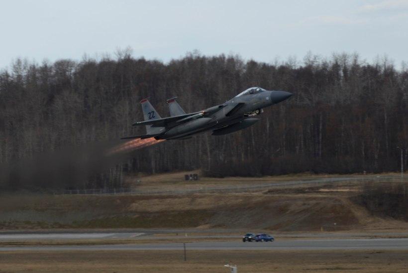 USA vastas Zapad 2017 õppustele hävituslennukite saadetisega Leetu