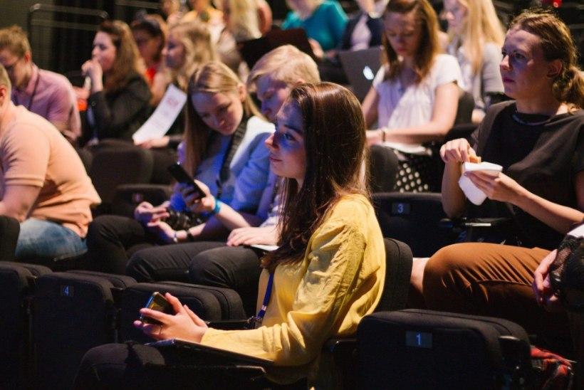 Noored Eesti poliitikast: ainult teatrit osatakse teha