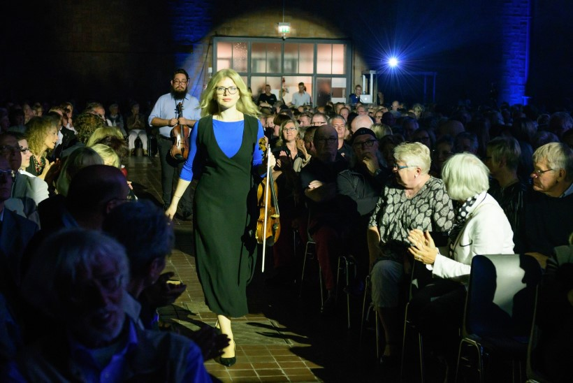 GALERII | Monton esitles Saksamaal Läänemere Filharmooniaorkestri ja Kristjan Järvi kontserdi raames oma kollektsiooni