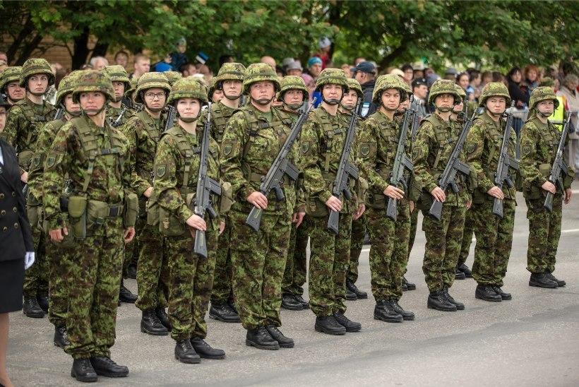 Tartus näeb uue õppeaasta alguse puhul sõjatehnikat
