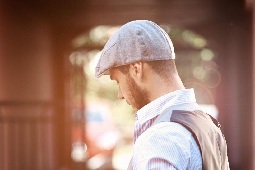 MÕISTLIKUD MEETMED: tänaval nutiseadme näppimise eest võib mõnel pool juba trahvi saada