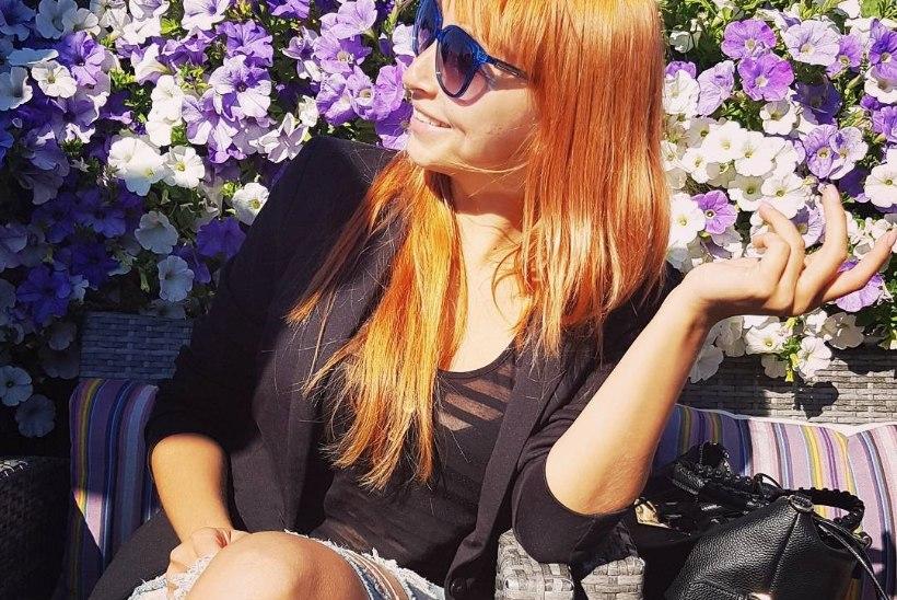 FOTO   Tanja välgutas Tallinna vanalinna tänavail hommikumantlit
