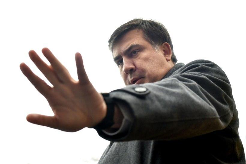 JÄLITATAV JA KODUMAATA MEES: Vilniuses viibiv Saakašvili põlgas Leedu passi ära