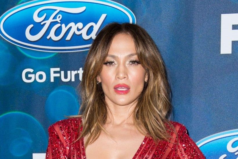 TAHAD KA? Saa teada, kuidas Jennifer Lopez enda keha niivõrd heas vormis hoiab!