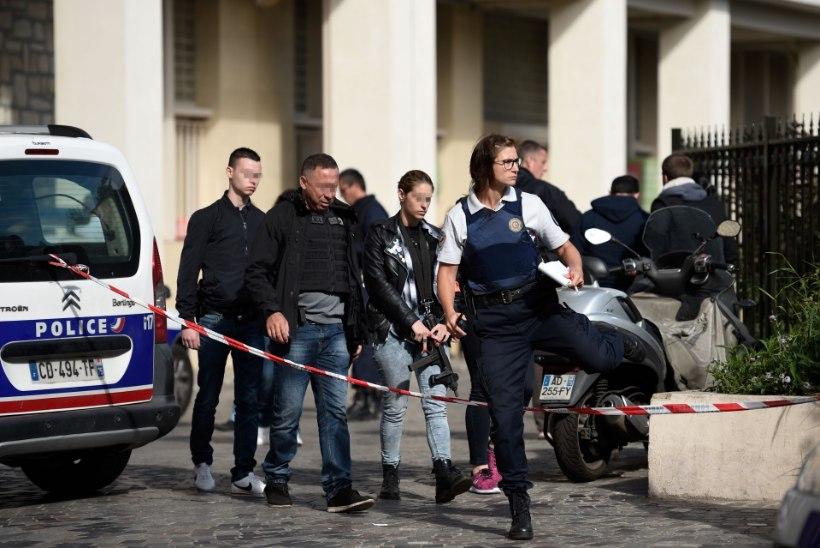 FOTOD   Pariisis sõitis auto sõdurite sekka, üks võimalik kurjategija on vahistatud